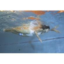 Pianka MoVes Aquatic Pull Buoy do ćwiczeń technik pływania - 05-050601