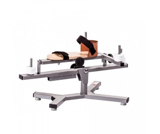 Przyrząd do ćwiczeń stawu skokowego (krzyżak)