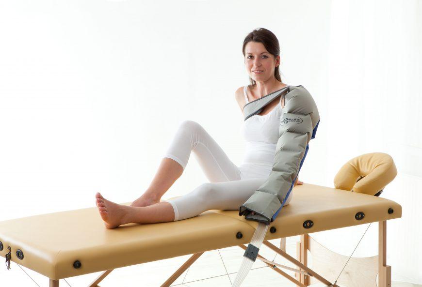 Przy jakich dolegliwościach zalecane jest stosowanie aparatów do masażu uciskowego?