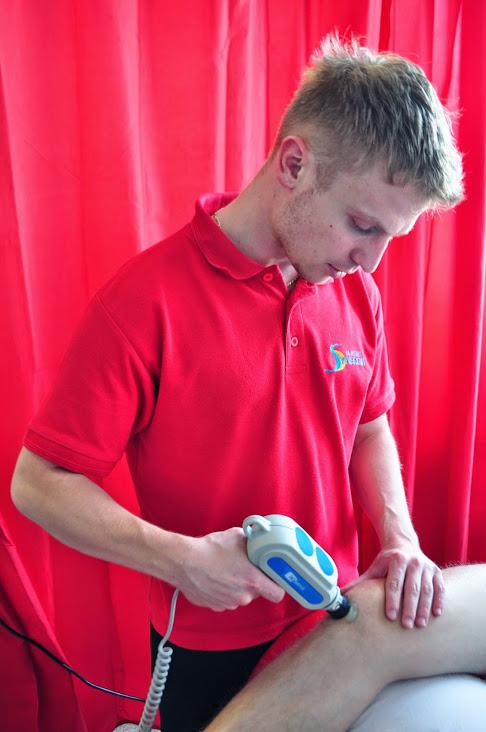 Zabieg rehabilitacyjny falą uderzeniową - BardoMed