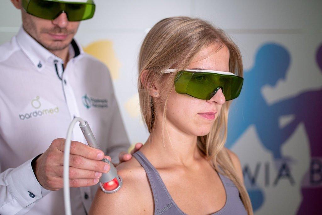 Laser wysokoenergetyczny iLUX - zabieg