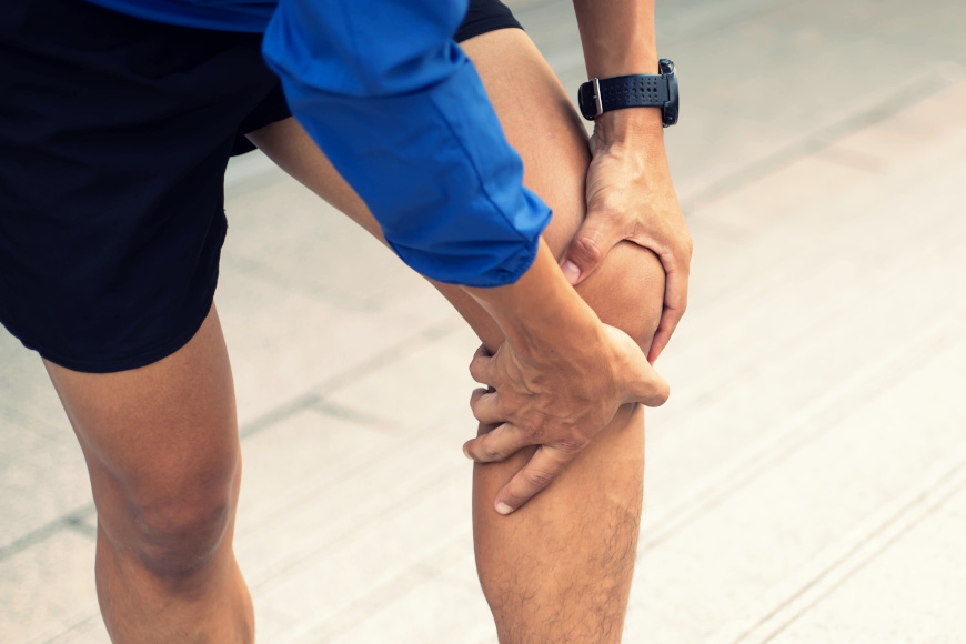 Ból pod kolanem, od zewnętrznej strony - zapalenie gęsiej stopki